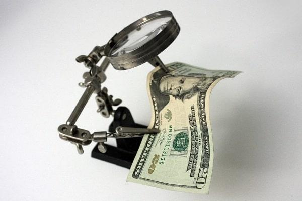 доллар под микроскопом